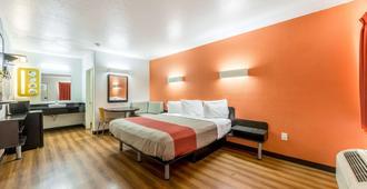 Motel 6 Seguin Tx - Seguin - Bedroom