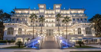 Gran hotel Miramar GL - מלאגה - בניין