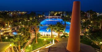 Arabia Azur Resort - הורגדה - בריכה