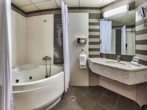 Athens Cypria Hotel - Atenas - Banheiro