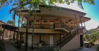Frank's Place - Santa Teresa - Edificio