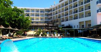 Marina - Ayia Napa - Pool