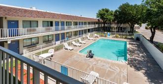 Motel 6 Del Rio, TX - Del Rio - Pool
