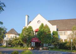 La Tourelle Hotel and Spa - Ithaca - Edifício
