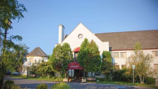 La Tourelle Hotel and Spa - Ithaca - Toà nhà