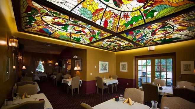 La Tourelle Hotel and Spa - Ithaca - Restaurant