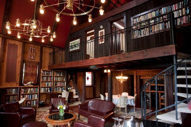 La Tourelle Hotel and Spa - Ithaca - Lounge