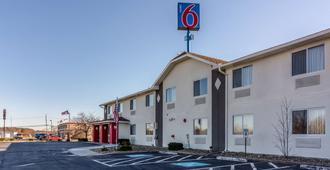 Motel 6 Barkeyville, PA - Harrisville