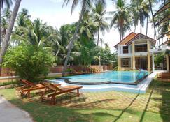 Coconut Garden Mui Ne - Mũi Né - Pool