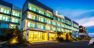 Spring and Autumn Hotel & Resort - Jeju City - Building