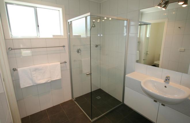 Hamilton Townhouse Motel - Hamilton - Bathroom