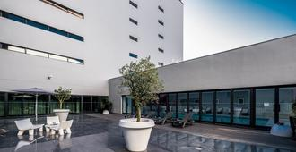 Vila Gale Opera - Lisbon - Building