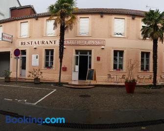Hôtel de France Restaurant - Madiran - Building