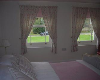 32 The Green - Havant - Bedroom