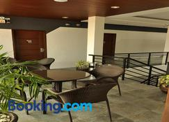 Rishan Village Residences - Angeles City - Wohnzimmer