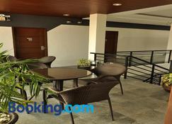 Rishan Village Residences - Angeles City - Sala de estar