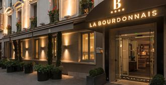 Hotel La Bourdonnais - Paris - Building