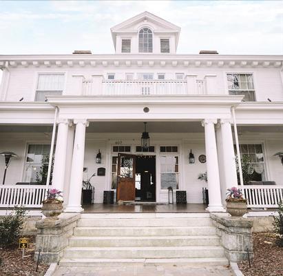 Pandora's Manor - High Point - Edificio