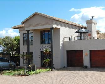 Mossel Bay Golf Lodge - Mossel Bay - Building