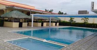 Ukl Ever Resort Hotel - Laoag