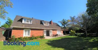 Besigheim - Stellenbosch - Building