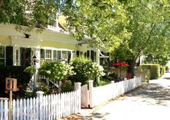 The Inn at Cook Street - Provincetown - Θέα στην ύπαιθρο