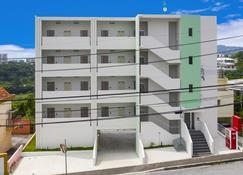 Mr.Kinjo Rinzu Rycom - Okinawa - Edificio
