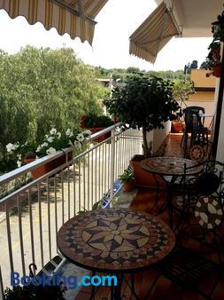 Bed & Breakfast Triskeles - Giardini Naxos - Balcony