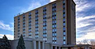 Crowne Plaza Newark Airport - Elizabeth