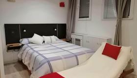 Estudio Profesional - Madrid - Habitación