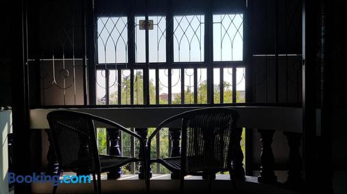 非清邁旅舍 - 清邁 - 陽台