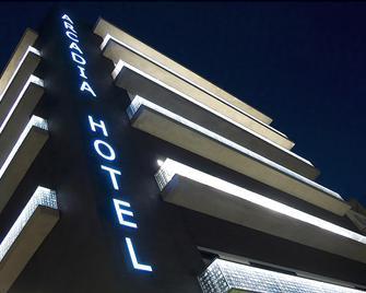 Arcadia Hotel - Trípoli - Edificio