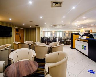 Holiday Inn Express Canterbury - Canterbury - Gebäude