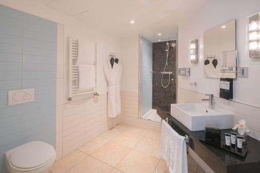 Best Western Plus Grand Hotel Victor Hugo - Luxembourg - Bathroom