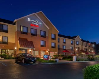 TownePlace Suites by Marriott Huntington - Huntington - Building