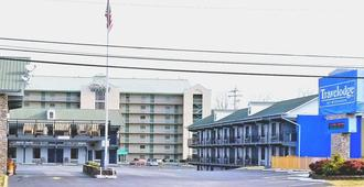 Travelodge by Wyndham Pigeon Forge - Pigeon Forge - Building
