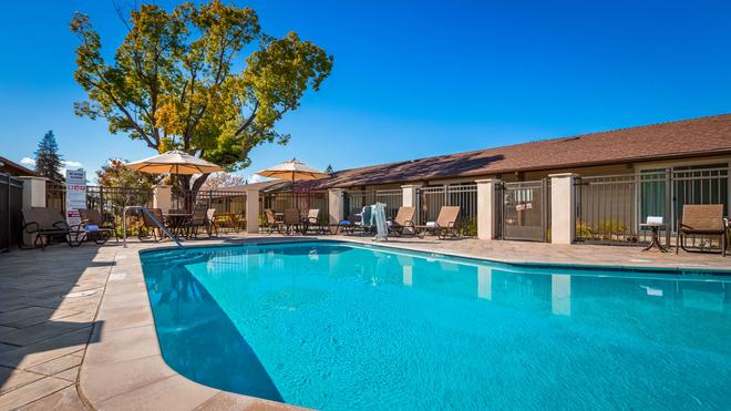 Best Western Garden Inn - Santa Rosa - Pool