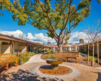 Best Western Garden Inn - Santa Rosa - Edificio
