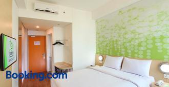 Zest Hotel Airport Jakarta - Tangerang City