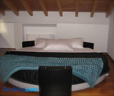 Parizzi Suites & Studio - Parma - Bedroom