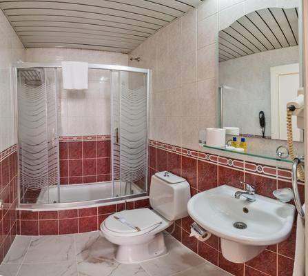 Hotel Santa Sophia - Istanbul - Bathroom