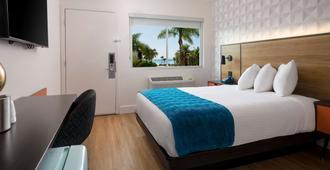 Motel 6 Santa Barbara - Beach - Santa Barbara - Bedroom