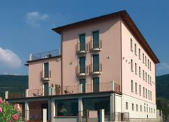 International Hotel Iseo - Iseo - Rakennus