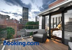 Hotel Epik Montreal - Montreal - Balcony
