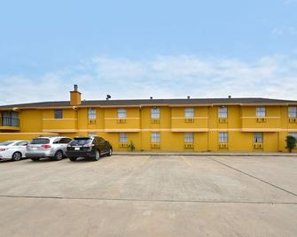 Americas Best Value Inn Brenham - Brenham - Building