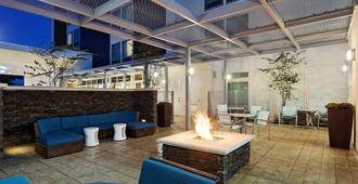SpringHill Suites by Marriott Pensacola - פנסאקולה - פטיו
