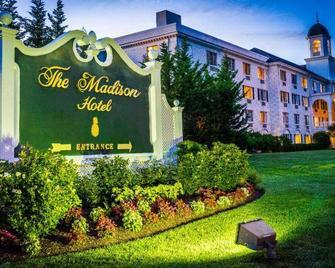 Madison Hotel - Morristown - Gebouw
