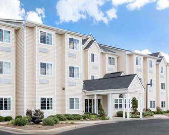 Microtel Inn & Suites by Wyndham Ozark - Ozark - Gebäude