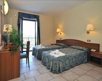 Hotel Residence Bisanzio - Rossano - Slaapkamer