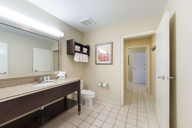 Comfort Suites South Padre Island - South Padre Island - Bathroom